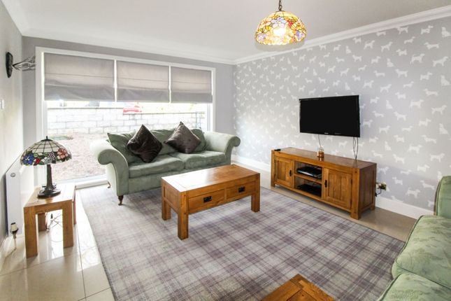 Lounge of Morningfield Road, Aberdeen AB15