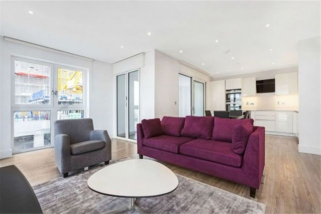 Thumbnail Flat to rent in Aldgate Place, Wiverton Tower, Aldgate East, London