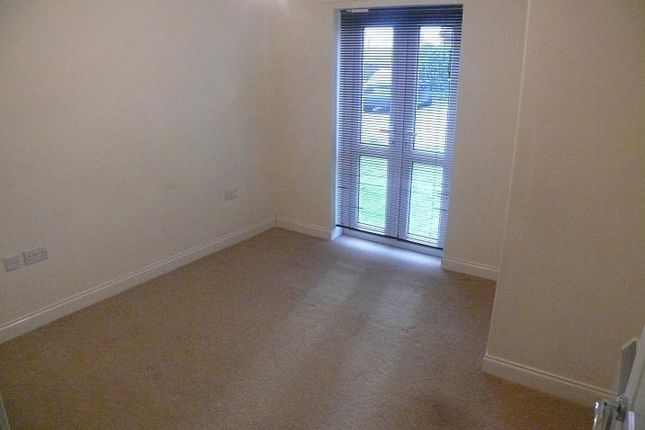Thumbnail Flat to rent in Oaklands House, 75 Rodley Lane, Calverley
