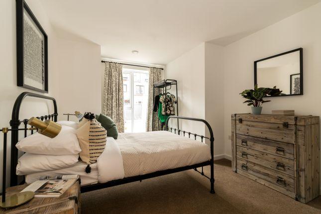 Thumbnail Flat for sale in Reynard Way, Off Windmill Road, London TW8, London,