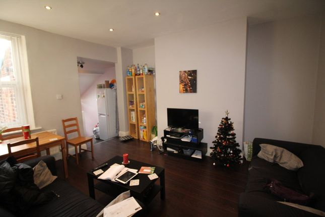 Thumbnail Maisonette to rent in Stratford Grove West, Newcastle Upon Tyne