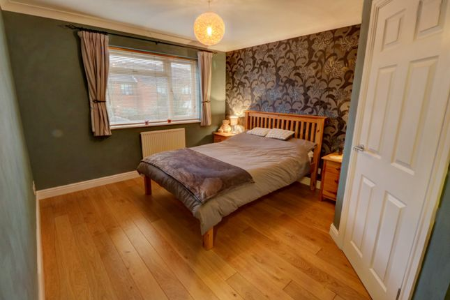 Bedroom of Cranesbill Drive, Broomhall, Worcester WR5