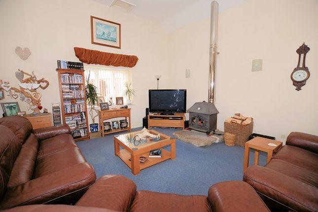 Living-Area-Psp of Mill Hill Lane, Tavistock PL19