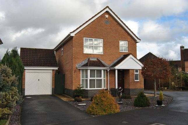 Thumbnail Detached house for sale in Snowshill Close, Swindon