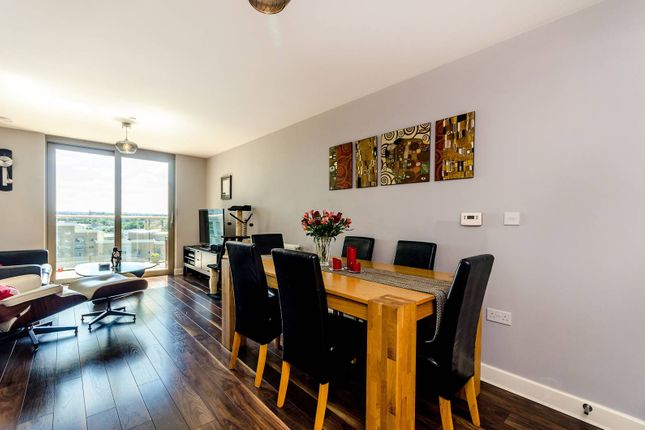 Thumbnail Flat for sale in Torre Vista, Loampit Vale, Lewisham