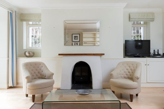2 bed flat to rent in Colville Gardens, Notting Hill