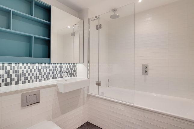 13_Bathroom_1 of 251 Southwark Bridge Road, London SE1