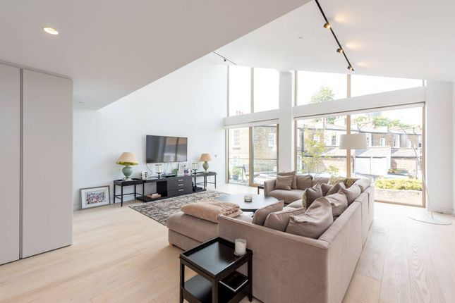 Thumbnail Flat to rent in Palfrey Place, Oval, London