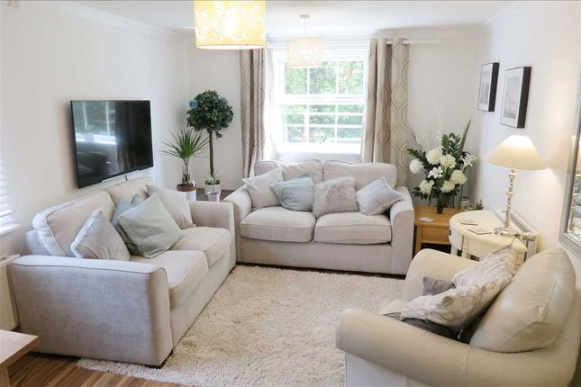 Lounge Area: of Montrose Grove, Greylees, Sleaford NG34
