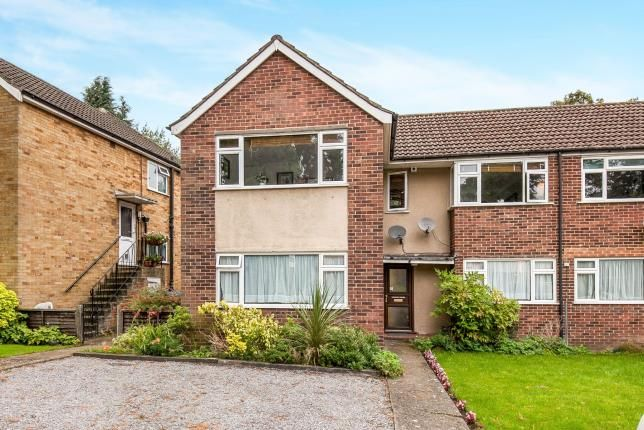 Thumbnail Maisonette for sale in Hartland Road, Row Town, Addlestone