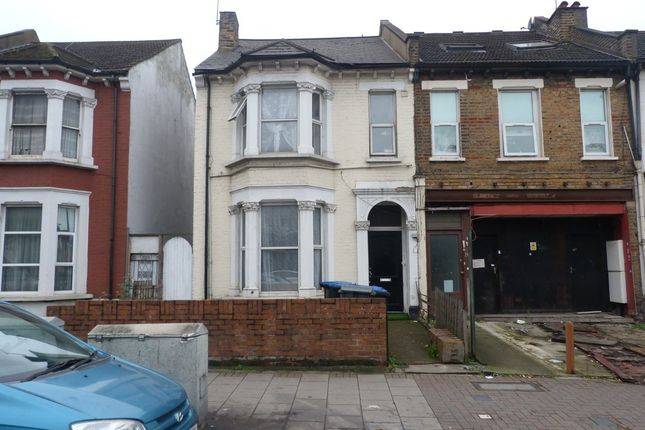 Thumbnail Flat to rent in High Street, Harlesden, London
