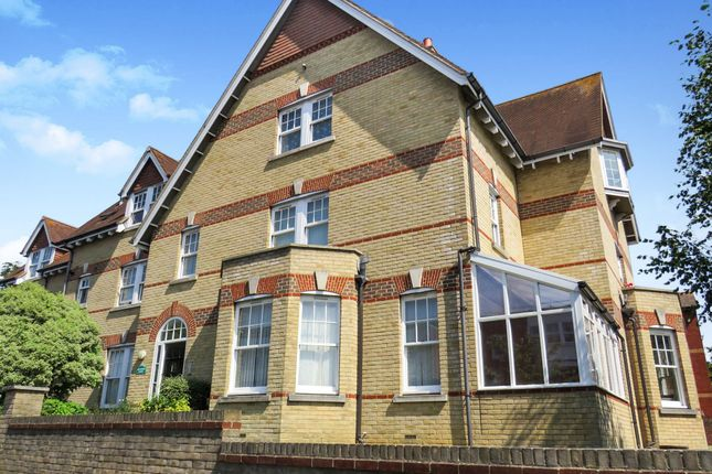 Thumbnail Flat for sale in Melcombe Avenue, Weymouth