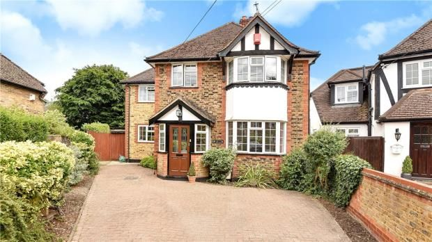 4 bed detached house for sale in Robert Road, Hedgerley, Slough