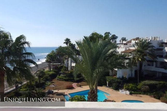 3 bed apartment for sale in Marbella, Costa Del Sol, Spain