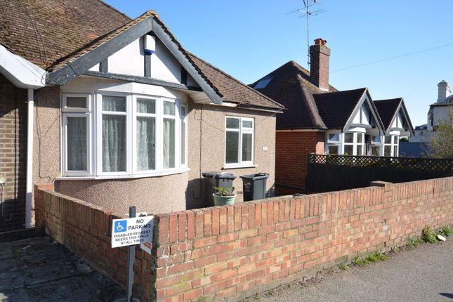 2 bed bungalow to rent in Chilton Lane, Ramsgate CT11