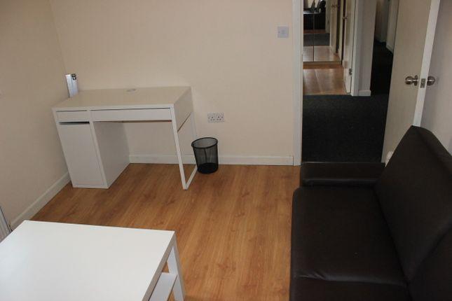 Thumbnail Bungalow to rent in Middleton Boulevard, Nottingham
