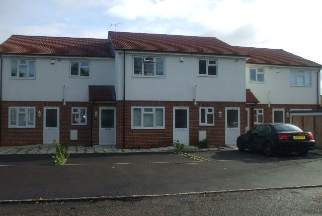 Thumbnail Flat to rent in Stanton Mews, Reading, Berkshire