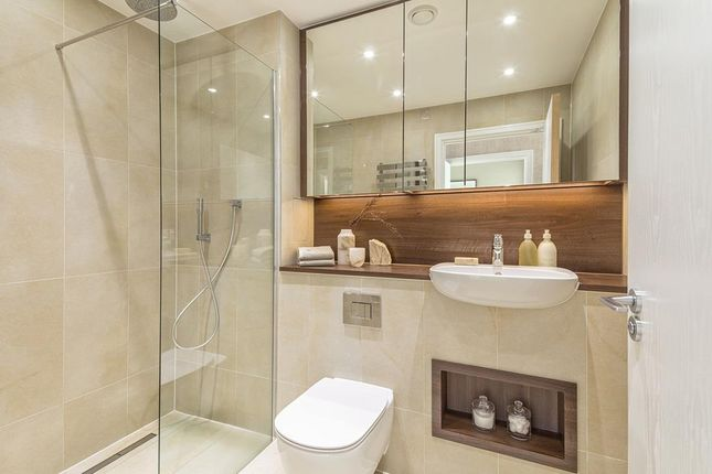 """Bathroom of """"Waterford Point"""" at Wandsworth Road, London SW8"""