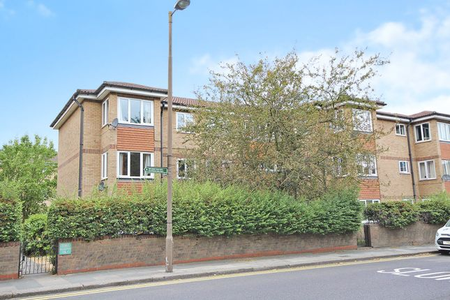 Thumbnail Flat for sale in Pinecroft Court, Wickham Lane, Welling, Kent