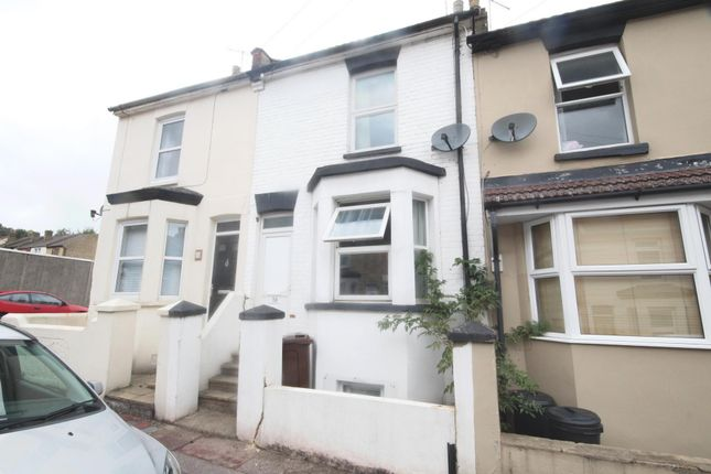 Thumbnail Shared accommodation to rent in Bright Road, Chatham