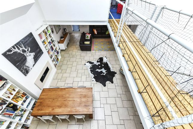 Thumbnail Terraced house for sale in Bermondsey Street, London