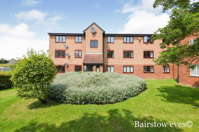 Thumbnail Flat for sale in Hornchurch, Essex, United Kingdom