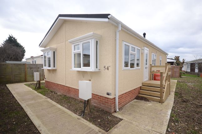 1 Bed Mobile Park Home To Rent In Mere Oak Three Mile Cross