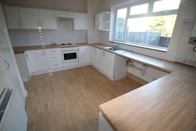 Thumbnail Flat to rent in Warren Way, Brighton