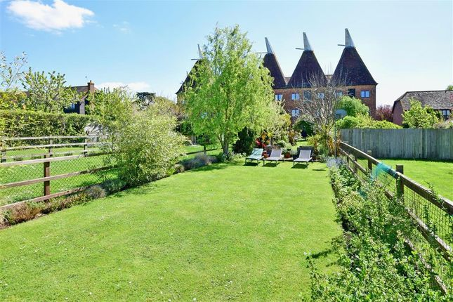 Thumbnail Property for sale in Oast Court, Yalding, Maidstone, Kent