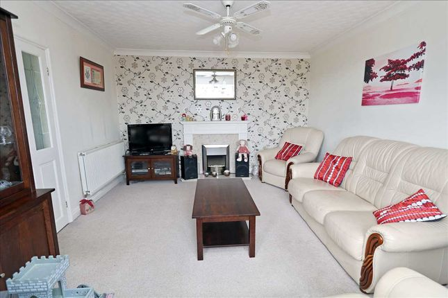 Lounge of Fiskerton Road, Cherry Willingham, Lincoln LN3