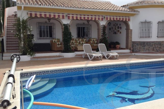 3 bed villa for sale in Puente Don Manuel, Axarquia, Andalusia, Spain
