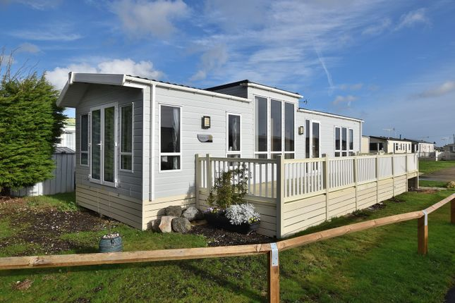 2 bed mobile/park home for sale in St. Osyth Beach Holiday Park, Clacton-On-Sea