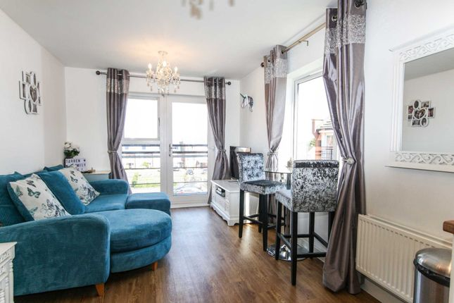 Thumbnail Flat for sale in Brook Mead, Laindon, Basildon