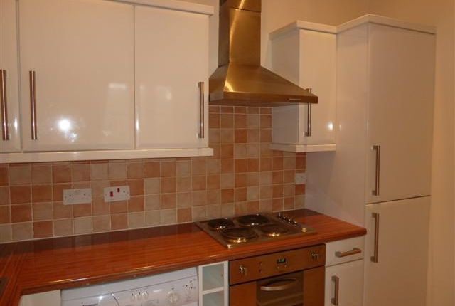 2 bed flat to rent in Thornhill Park, Sunderland