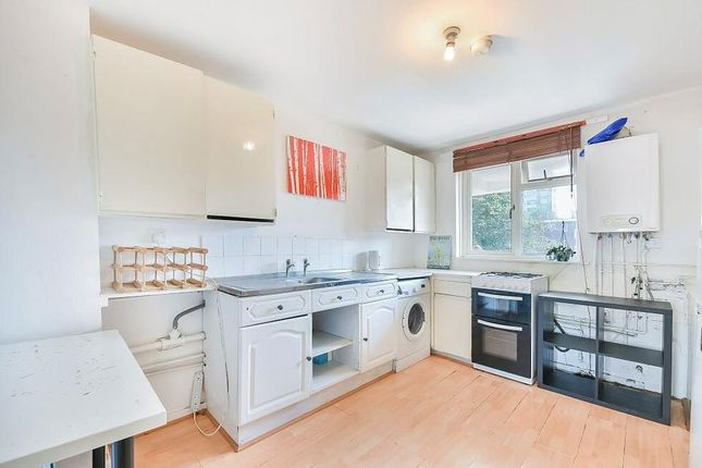 Thumbnail Flat to rent in Canrobert Street, London