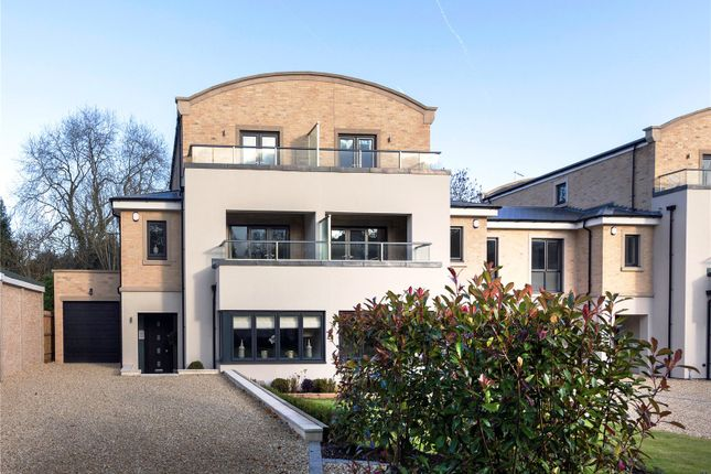 Thumbnail Property for sale in South Park View, Gerrards Cross, Buckinghamshire