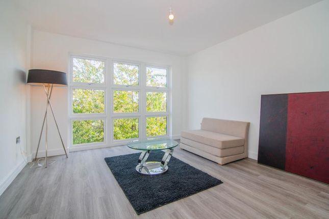 Thumbnail Flat for sale in Kestrel House, Heath Road, Twickenham