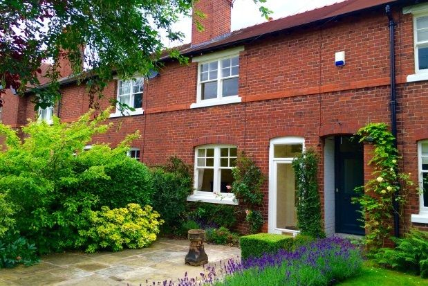 Thumbnail Terraced house to rent in South Terrace, Alderley Edge