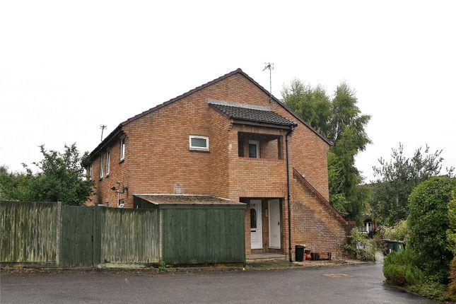 Thumbnail Studio to rent in Farringdon Way, Tadley, Hampshire