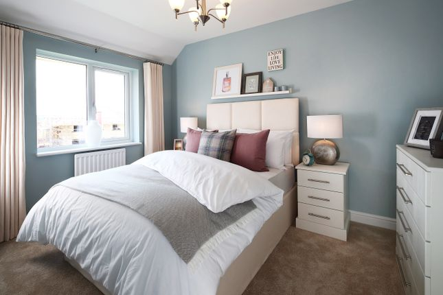 3 bedroom semi-detached house for sale in Dry Street, Basildon