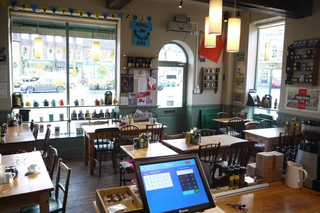 Thumbnail Restaurant/cafe for sale in Cafe & Sandwich Bars YO7, North Yorkshire