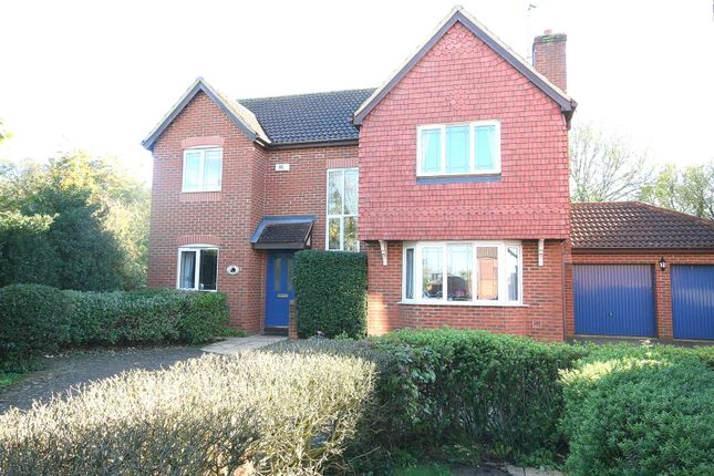 Thumbnail Detached house for sale in Badgers Gate, Dunstable, Beds.