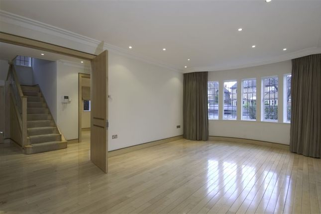Thumbnail Flat to rent in Kingsley Way, London