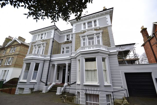 Thumbnail Flat to rent in Upper Maze Hill, St Leonards On Sea