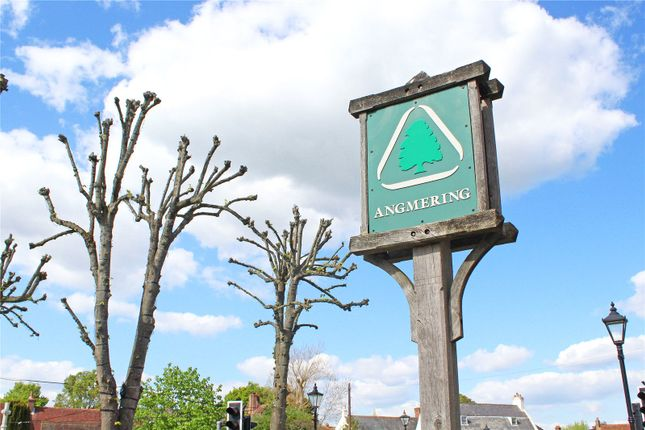 Picture No. 09 of Roundstone Lane, Angmering, West Sussex BN16