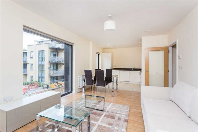 1 bed flat to rent in Newman Close, Willesden, London