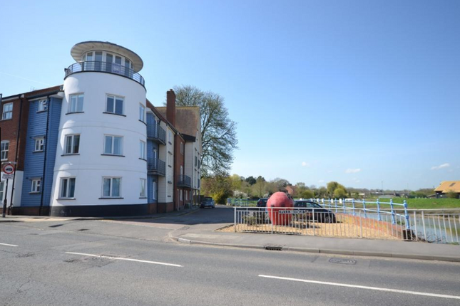 Thumbnail Flat for sale in Market Hill, Maldon