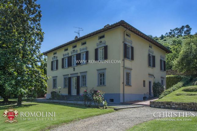 Thumbnail Villa for sale in Capannori, Tuscany, Italy