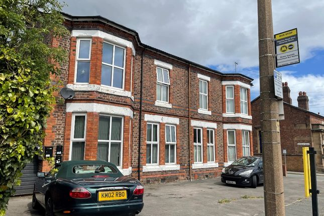 Thumbnail Flat to rent in Prenton Road West, Prenton, Wirral