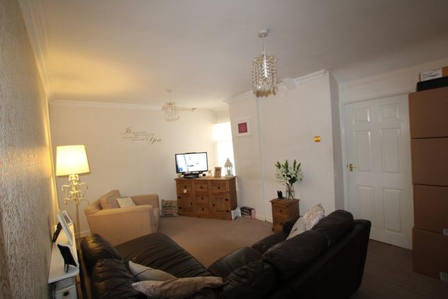Thumbnail Flat to rent in Penrhiwceiber Road, Penrhiwceiber, Mountain Ash